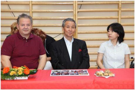 Shihan Takeji Ogawa 70 éves - középen
