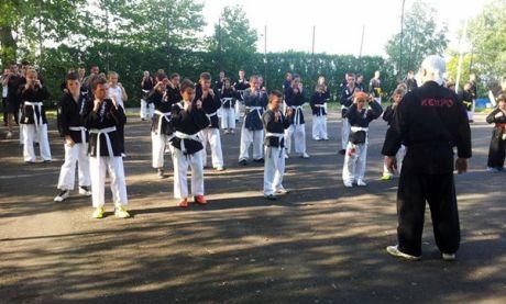Magyar Kempo Szövetség központi edzőtábora Balatonfenyvesen - edzés fehér öveseknek