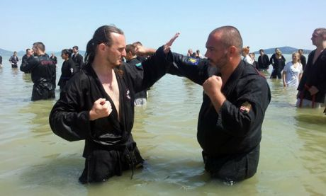 Magyar Kempo Szövetség központi edzőtábora Balatonfenyvesen - edzés a vízben