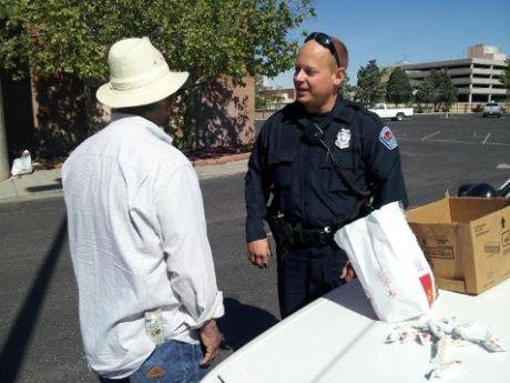 Nádas Tamás Amerikai rendőr, karatés - jótékonykodás közben