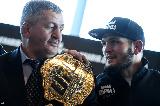 Az MMA közösség közösen gyászolja Habib Nurmagomedov édesapját