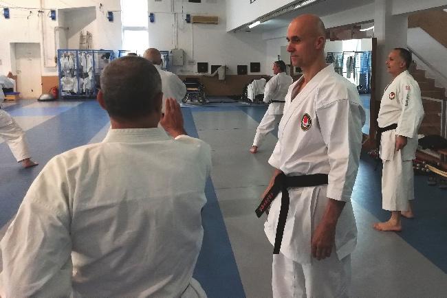 Karate a az iskolai testnevelés keretein belül