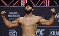 Dominick Reyes Kobe Bryant mezt viselne a UFC 247-en