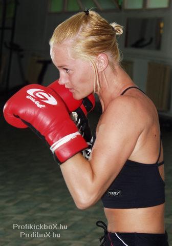 Csábi Bettina edzésben