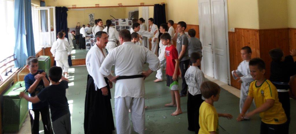 Bal oldalt Balázs Sándor, a csoport vezetője