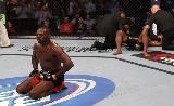 Jones újra a UFCben