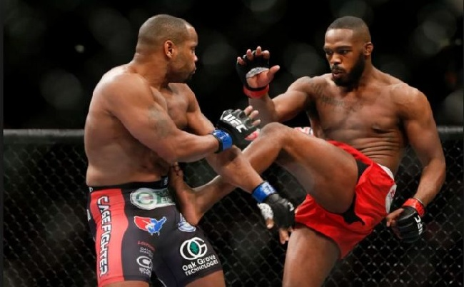 UFC 200 : Kiterjesztett előzetes